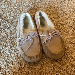 Uggs | tan and pink fur lined moccasins